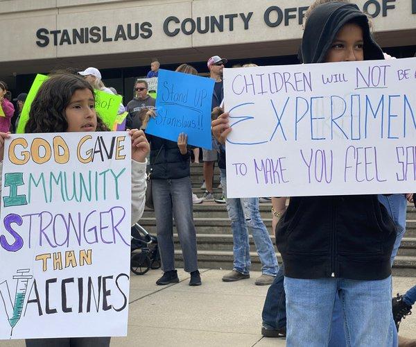 student vaccine protest 1